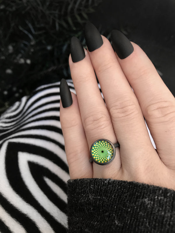 Glass Op Art Ring