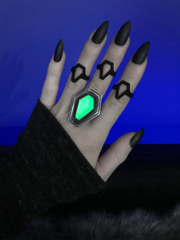 Glowing Quartz Coffin Power Ring, Size 6.5