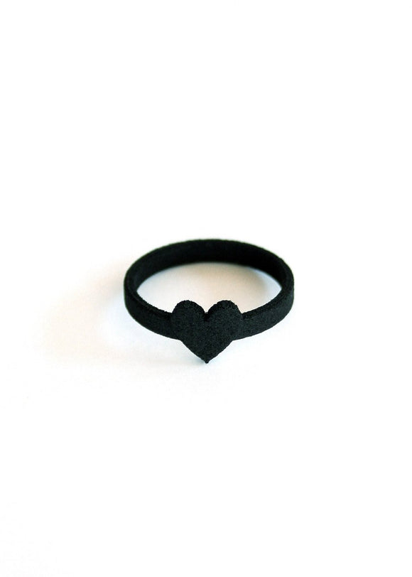 Matte Black Heart Ring - Creepy Cute Gothic Jewelry - Minimalist Ring - Dark Jewelry