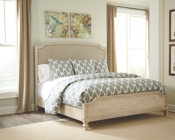 Demarlos - Parchment White - King/Cal King Panel Footboard