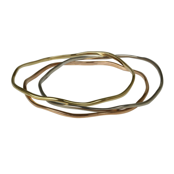 14k Smooth Gold Wavy Bangle Bracelet