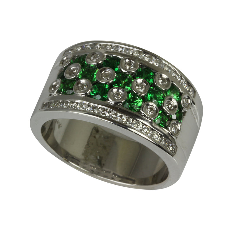 18k White Gold Tsavorite & Diamond Bezel Ring