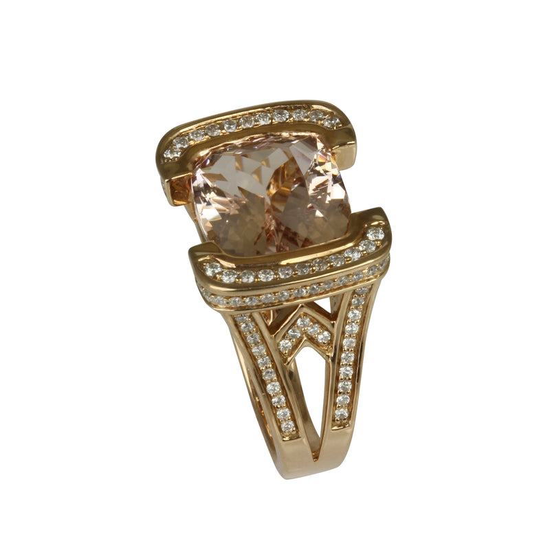 18k Gold Morganite & Diamond Ring