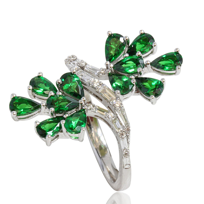 14k Gold Pear Shape Tsavorite & Diamond Ring