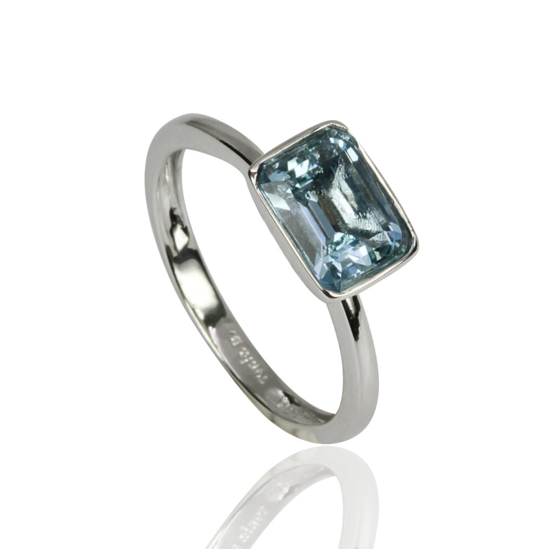 14k Gold Emerald Cut Aquamarine Ring