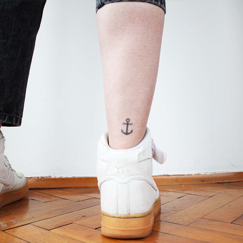 small anchor tattoo girl