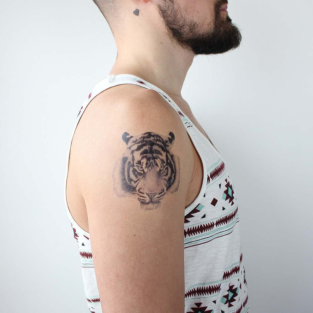temporary tattoo of tiger