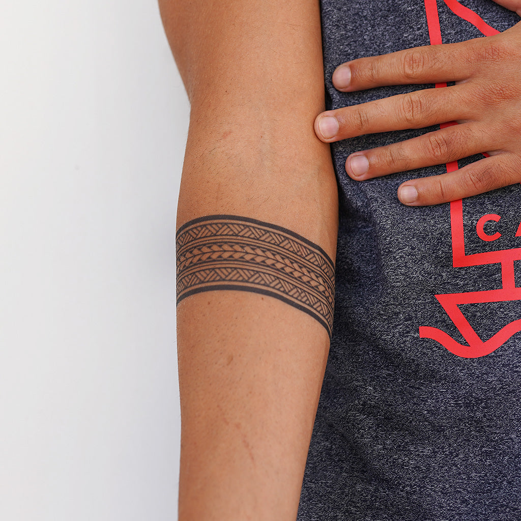 armband fake tattoo