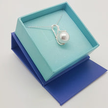 Load image into Gallery viewer, Large White Pearl Necklace