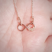 Load image into Gallery viewer, Infinity flowers - Minimal Necklace | Rose Gold Plated