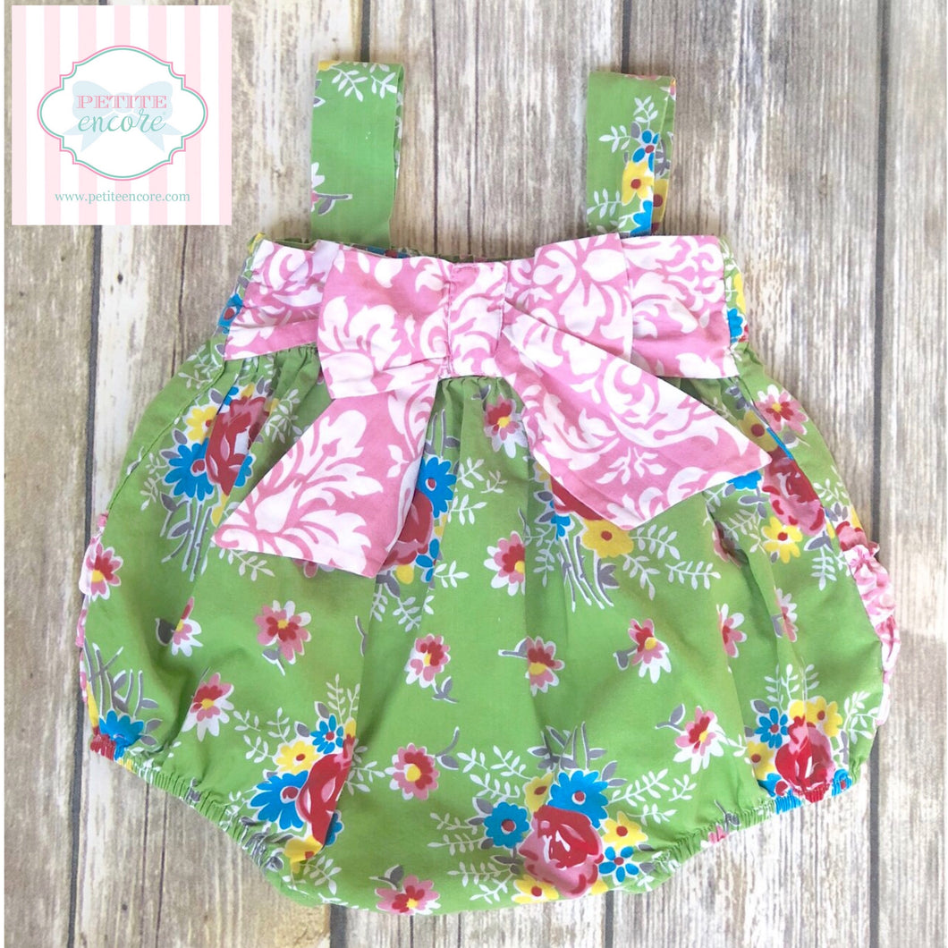 Floral bubble with bow detail 9m
