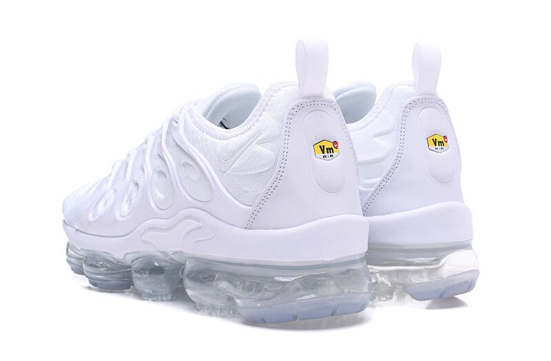 huge discount dcac5 21677 All White Vapormax Plus