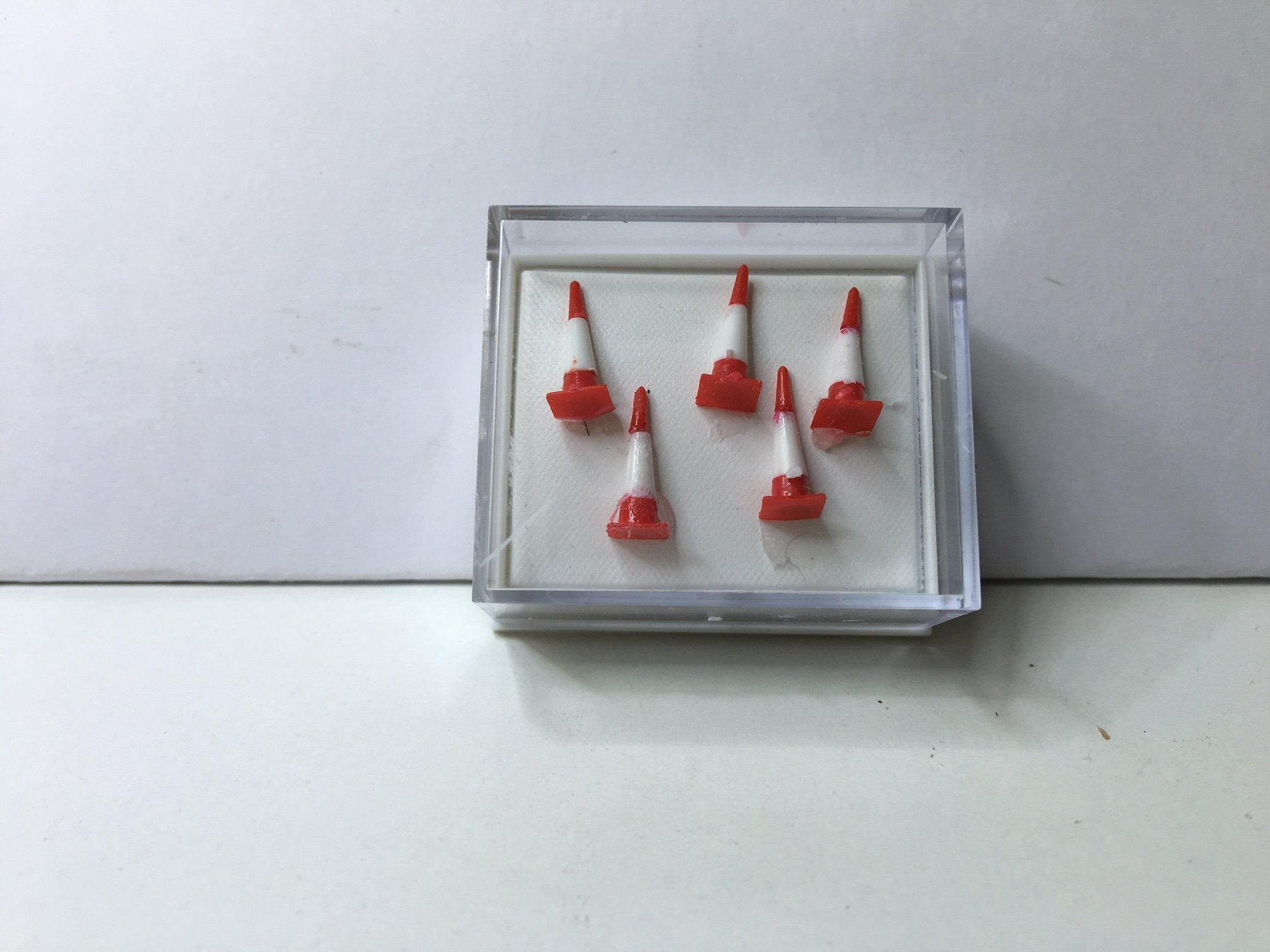 'N' GAUGE 'TRAFFIC CONES'
