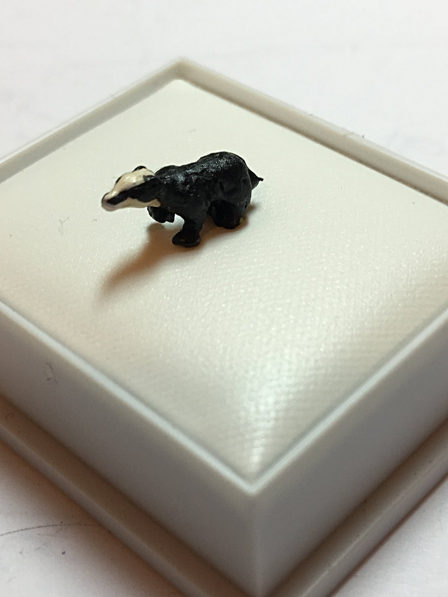 Hand Painted Animals - Badger - 00 - H0 Scale for Model Railways / Dioramas