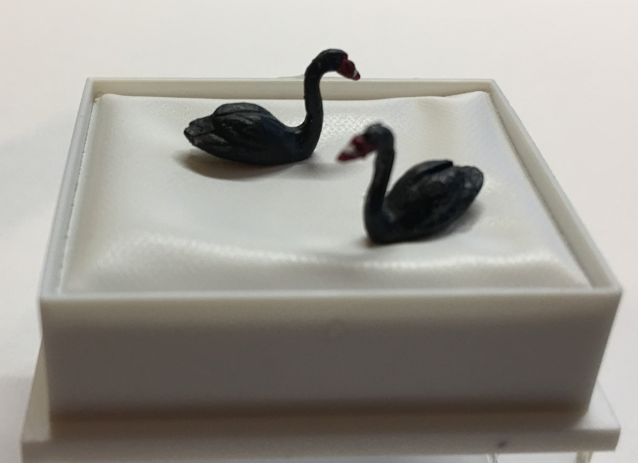 'Black Swans' '00' scale