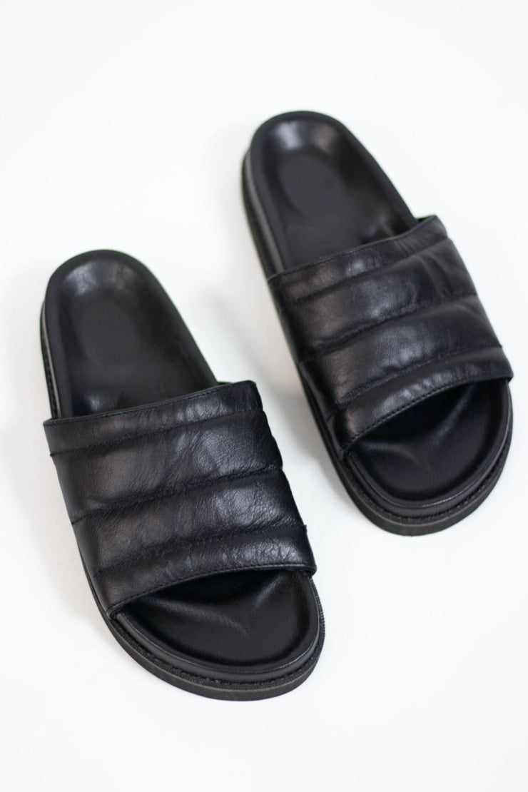 Pharos Slide Black WIDE FIT