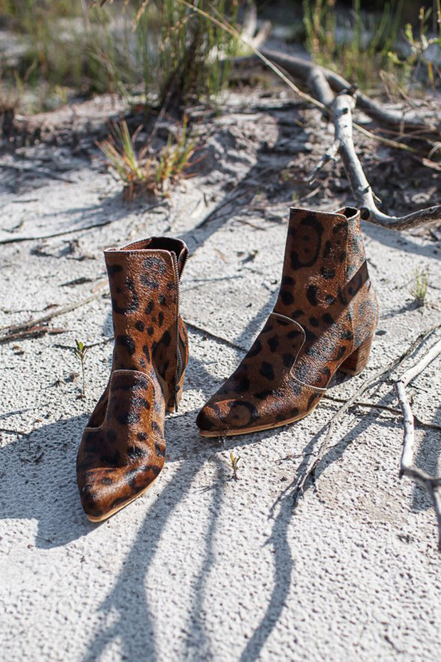 Abbey Hide Boots Samples