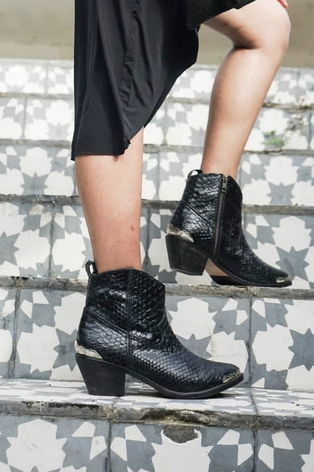 Mantra Snakeskin Leather Boots