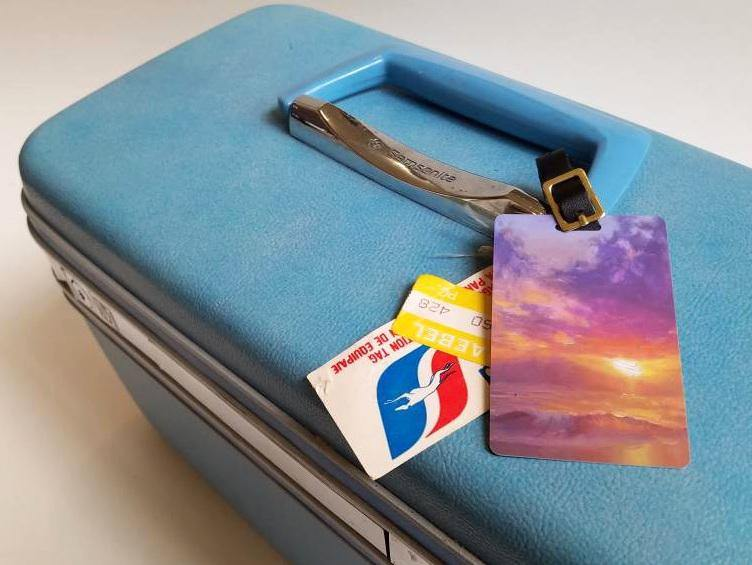 Maui to Molokai - Hawaiian Luggage Tags Featuring a Beach Sunset