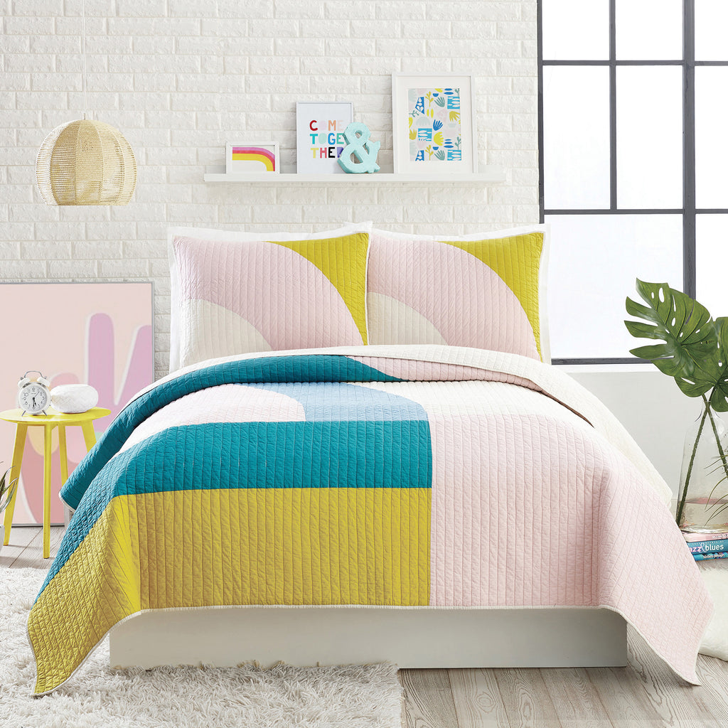 Ampersand Modshapes Quilt Set
