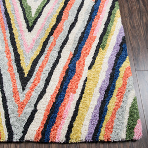 Arabella Arrow Table Tufted Rug