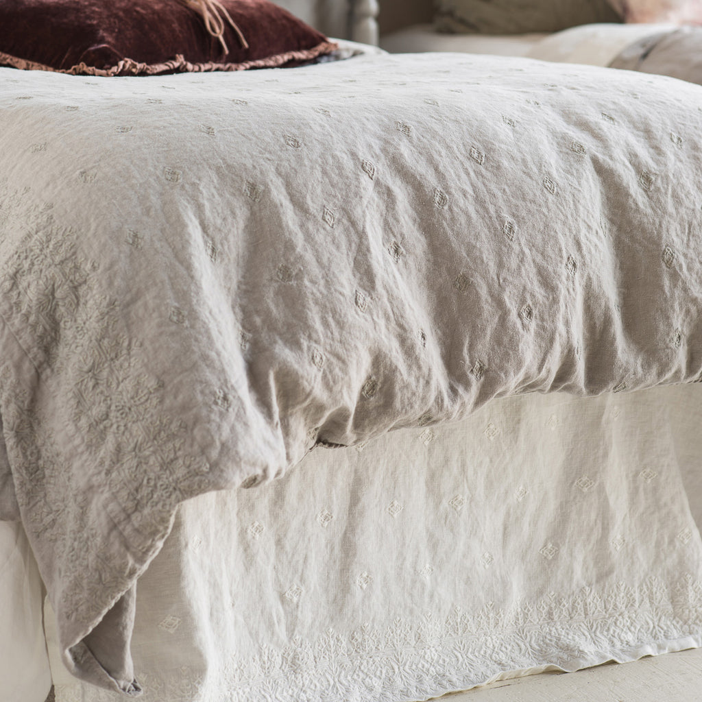 Bella Notte Ines Bed Skirt