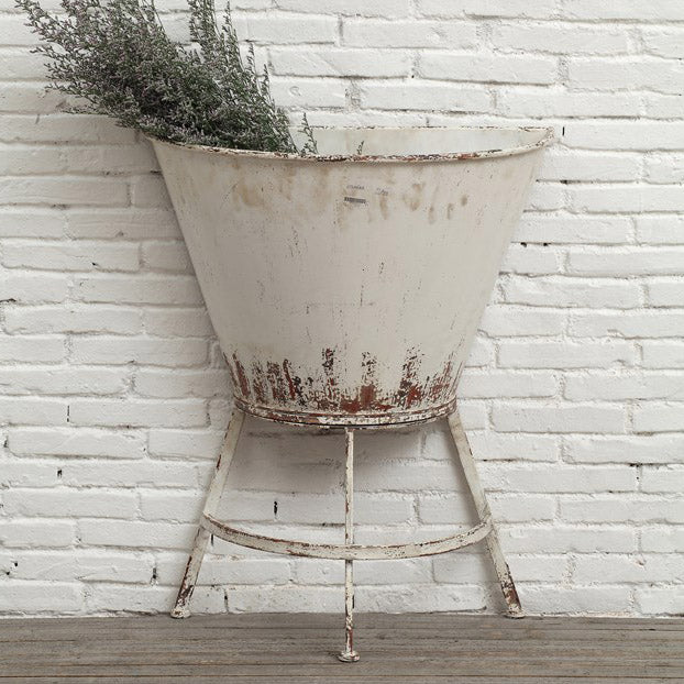 Daisy Half Wall Planter on Stand