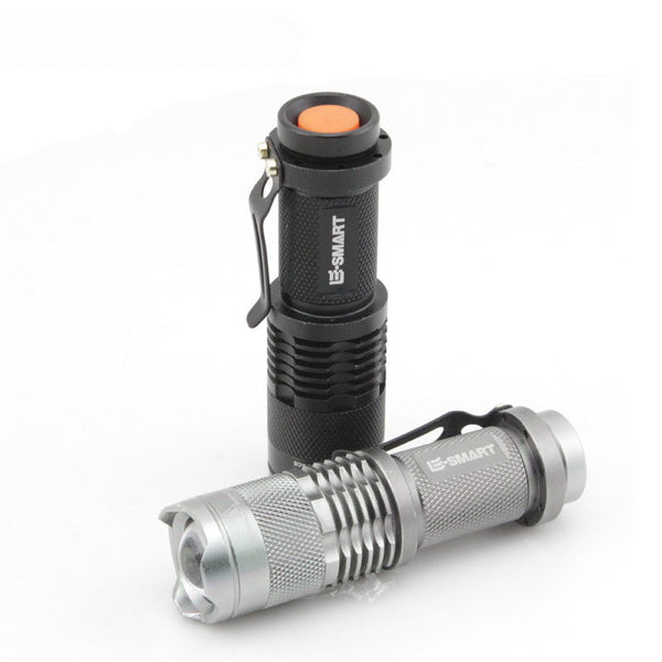 300 Lumen Zoomable LED Flashlight - 3 modes adjustable focus beam