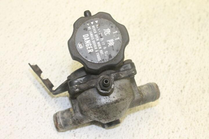 87-94 KAWASAKI VULCAN 88 VN1500A OEM THERMOSTAT W HOUSING ASSEMBLY 1994