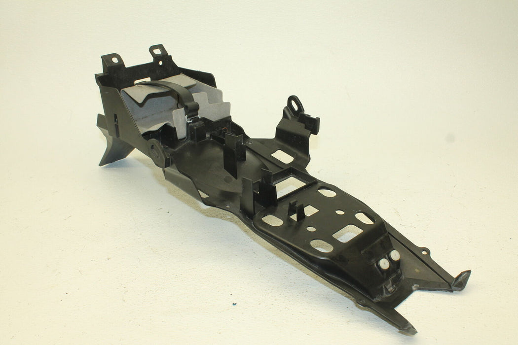 15-17 YAMAHA YZF R3 YZFR3 YZF-R3 REAR BACK TAIL UNDERTAIL BATTERY TRAY PLASTIC