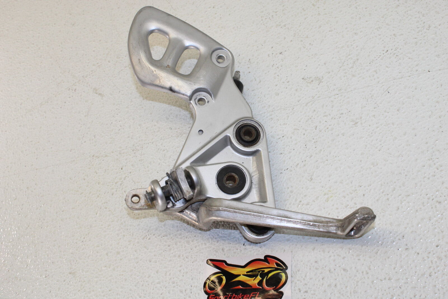 99-07 SUZUKI HAYABUSA GSXR 1300 GSX-R RIGHT FRONT FOOT REST PEG STEP BREAK STOP