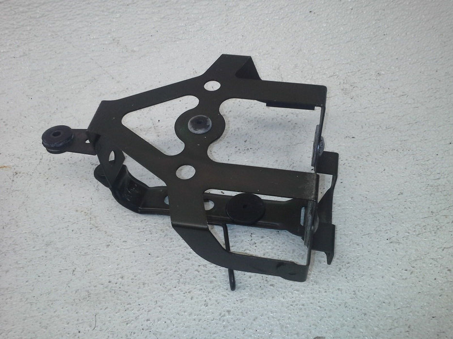 92-95 HONDA ST1100 ST 1100A 1994 BATTERY HOLD DOWN CLAMP STRAP BRACKET MOUNT OEM