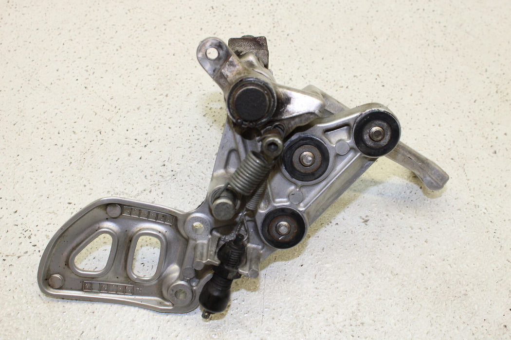99-07 SUZUKI HAYABUSA GSXR 1300 GSX-R RIGHT REARSET REAR SET DRIVER FOOT PEG OEM