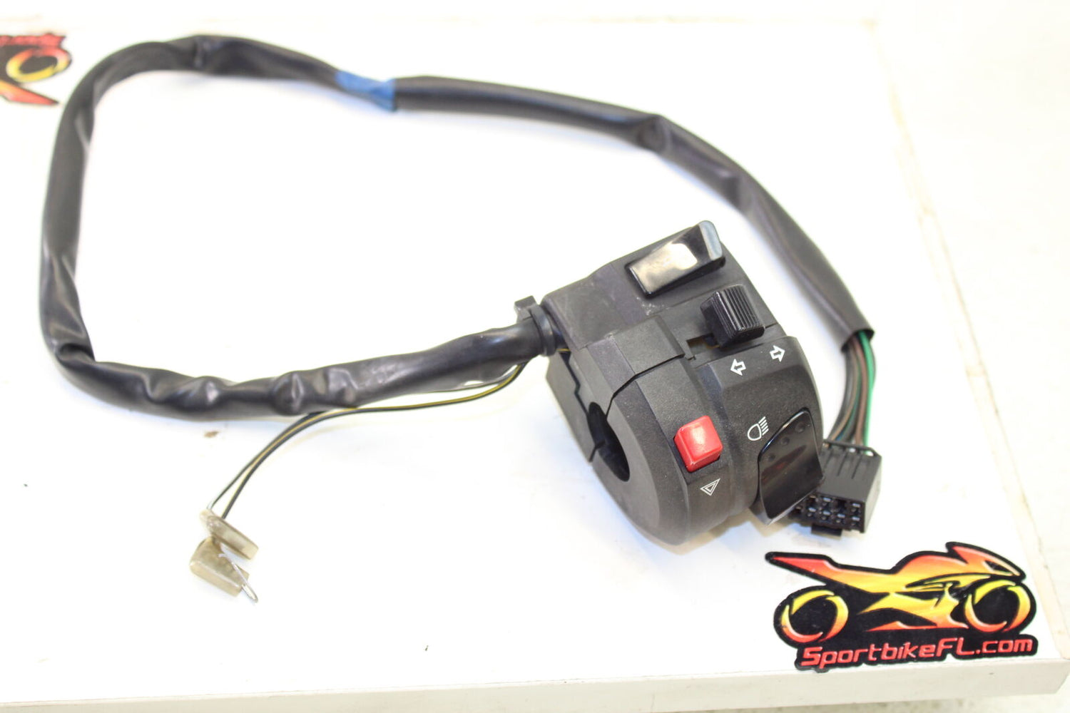 08-12 SUZUKI HAYABUSA GSXR 1300 GSX-R LEFT CLIP ON HANDLE HORN SIGNALS SWITCH