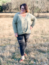 Load image into Gallery viewer, Katelyn Long Sleeve V-Neck Button Down Top-Curvy
