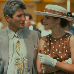 Julia Roberts in Pretty woman brown polka dot dress and hat
