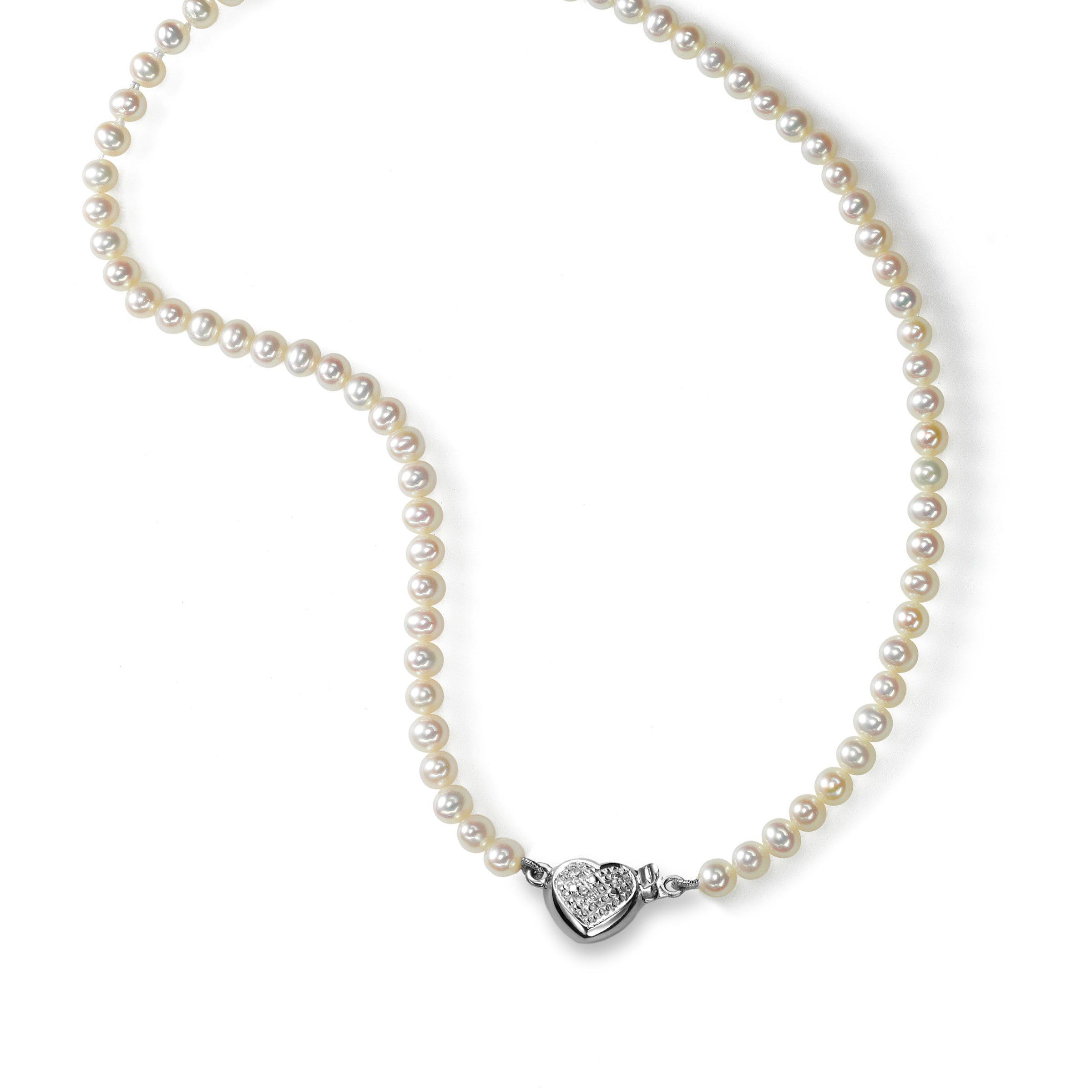 Girl's Pearl necklace