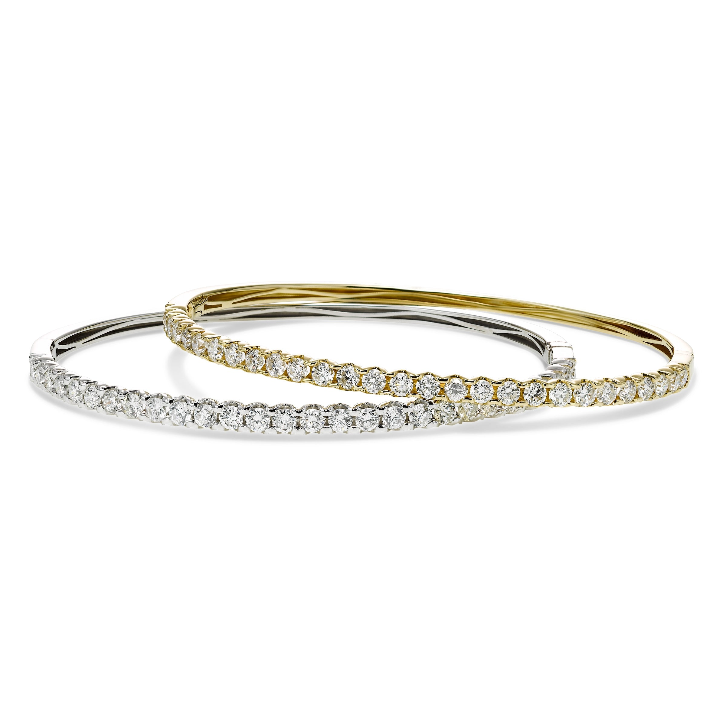 Diamond Bangle Bracelet, 2.50 Carats, 14K Yellow Gold