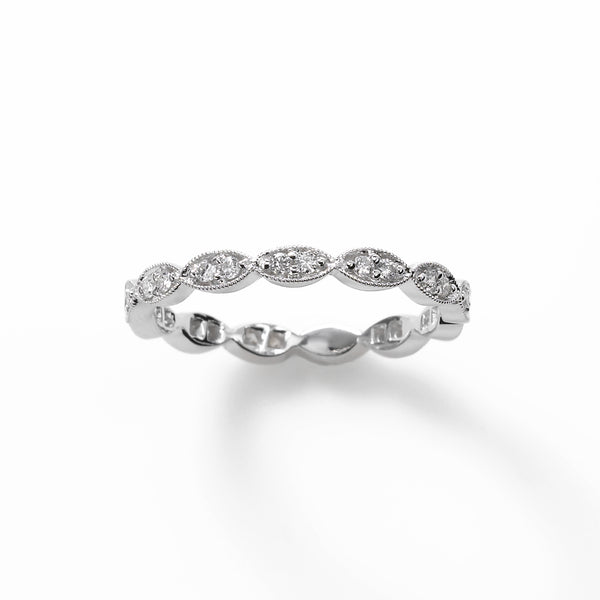 Scalloped Design .25 carat Diamond Band, 18K WG