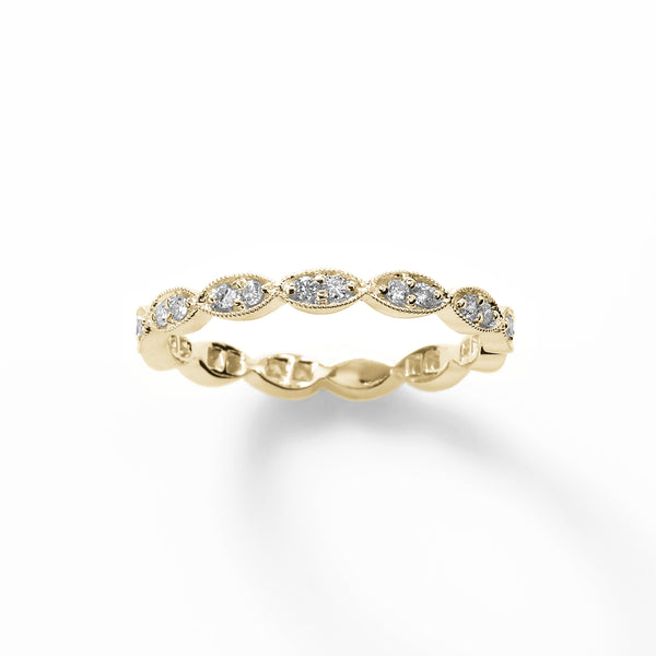 Scalloped Design .25 carat Diamond Band, 18K Yellow Gold