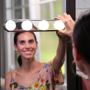 Cordless Mirror Light