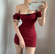 Laden Sie das Bild in den Galerie-Viewer, 'Margo' Mini Dress - 2 Colours