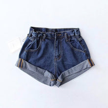 Carica l'immagine nel visualizzatore di Gallery, 'Crush on you' denim shorts - 5 colours