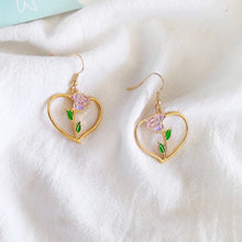 Load image into Gallery viewer, Simple rose heart earrings