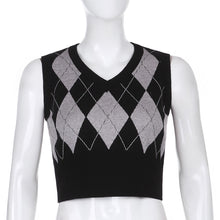 Load image into Gallery viewer, 'Casie' Knitted Crop Vest
