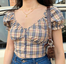 Laden Sie das Bild in den Galerie-Viewer, 'Sophie' plaid crop top