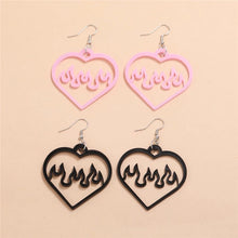 Laden Sie das Bild in den Galerie-Viewer, 2 Pairs of Heart Flame Earrings