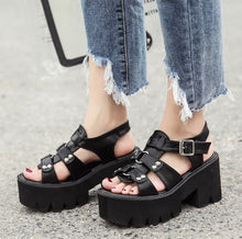 Load image into Gallery viewer, 'Dylan' platform sandals