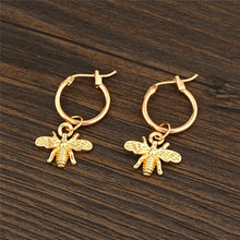 Load image into Gallery viewer, Bee pendant gold earrings