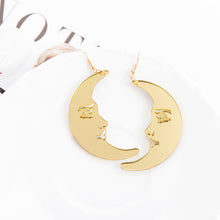 Load image into Gallery viewer, Big gold moon earrings